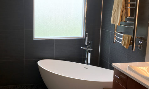 bw-03 tub in modern bathroom