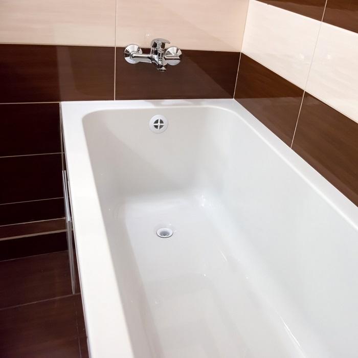 porcelain bathtub example.